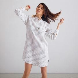 Natskjorte i hør, off-white / marineblå, Alma Stripe M