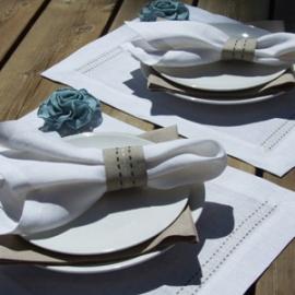 Stitch Kollektion i Hvid & Sandfarvet